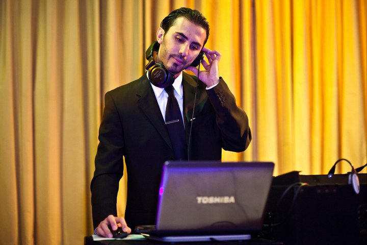 DJ Sevag during a mix at a wedding